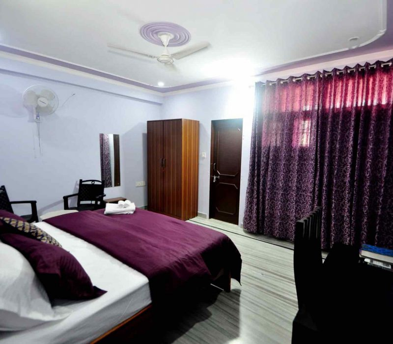 Hindi-immersion-program-and-home-stay in Jaipur